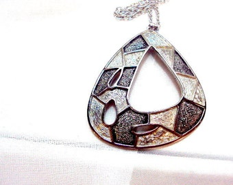 Vintage Emmons Silver Tone Mod Pendant with Chain