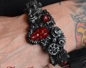 Steampunk  Gear Jewelry Bracelet -  Gears with Skull  Dark metal  Tone - Cyberpunk Jewelry