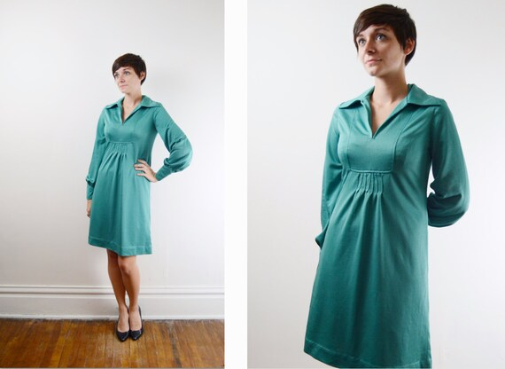 Additional 50 Percent Off S A L E / 70s Dress / 1970s Teal Mini Dress - S