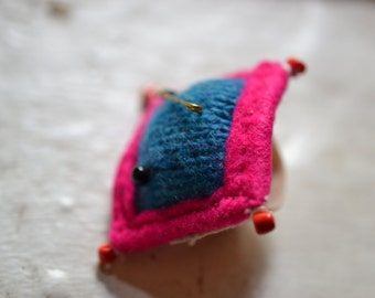 Textile jewelery - Folky pin cushion ring - make-do - folk art