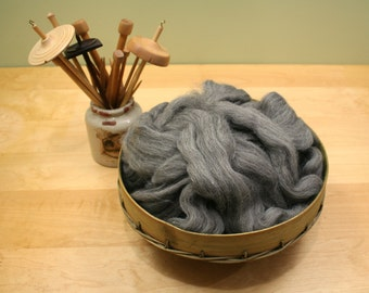 Shetland Wool Top - Natural Gray - Undyed Roving for Spinning or Felting (8oz)
