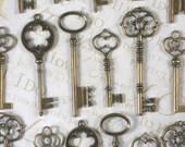 Set of 25 Keys Bronze Large & XL Pendants 60mm - 81mm Huge Giant Wedding Favors (K11 -25)