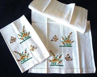 TOWEL Kitchen Bath Vintage 2 LINEN Drawn Washstand Bar Hand Embroidered Nosegay Superb!