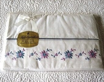Vintage SHEET Crisp NEW Lavender Embroidered Flat Cotton TWIN Lady Pepperell N I P