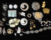 21 Pc Mixed Lot Costume Jewelry Danecraft, Trifari, Lisner, Unsigned. Earrings Pins Brooches Scarf Clip, Bracelet. Fun!