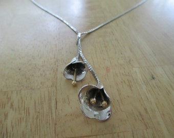 vintage costume jewelry  /  silver tone necklace