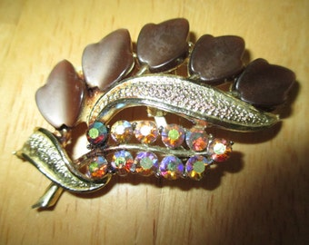 VINTAGE COSTUME JEWELRY  /  Thermoset brooch with rhinestones / just reduced