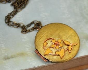YELLOW FLOWER LOCKET vintage 70s brass locket necklace