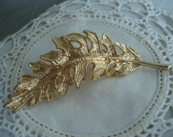 Vintage Textured Gold Leaf Pin Brooch Flowers Leaves Woodland Fall Autumn