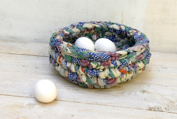 Rustic crochet bowl --- upcycled eco friendly --- Cottage and Farmhouse Deco --- TAGT Team