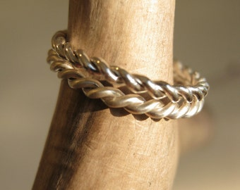 Twisted Band in Sterling Silver - Slim band