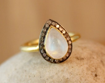Gold Rainbow Moonstone Teardrop Ring - Pave Diamonds - Colourful Moonstone, Luxury Ring