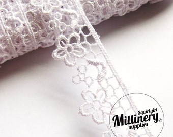 White Guipure Tiered Lace Flower Embroidered Trim, 1m