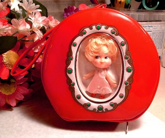 Popular Toys In The Sixties : Retro liddle kiddle type s red round purse with doll