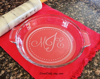 Traditional Monogrammed Pie Plate {{NOT ACID ETCHED}} Custom Engraved Regular or Deep Dish Pie Plate
