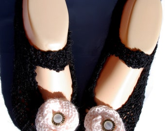 Cosy House Slippers (Black with pink flowers)