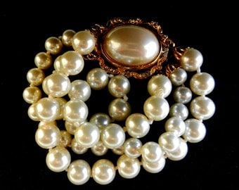 3 Strands white pearl Bracelet, vtg Signed bracelet- Italian 1970s - beautiful pearls and large clasp - Pearl's cuff  for bride-Art.909/2-