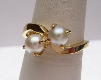 14k Lloyds Double Pearl Ring