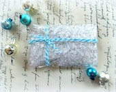 Fluffy White Snow Mix / December / Christmas / Pocket Letters