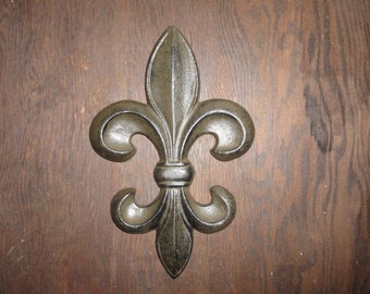 Fleur de Lis cast iron door or wall decor antique finish for a Shabby or Chic look.