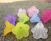 Lucite Flower Beads Mixed Colors 14mm X 10mm (Item Number FACR-5332-M)