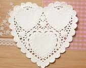 30 Romantic Heart Paper Doilies - S (4.1 x 4in)