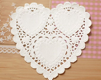 30 Romantic Heart Paper Doilies - S (4.1 x 4in)