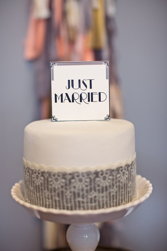 Art Deco Square Cake Topper: Just Married
