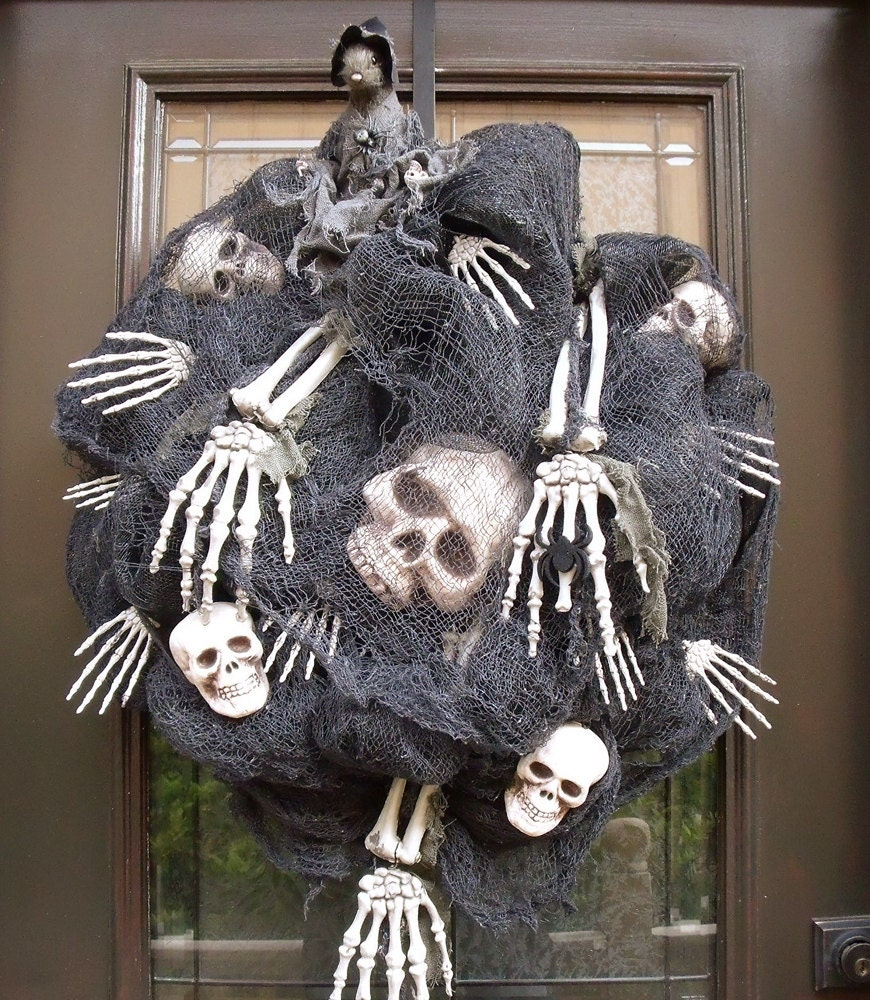 Scary Halloween Wreath Skull And Bones Halloween Decoration