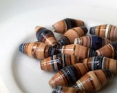 14 paper beads - denim blue, powder -
