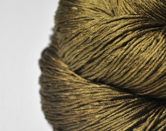 Dried brown algae  - Silk Fingering Yarn - knotty skein