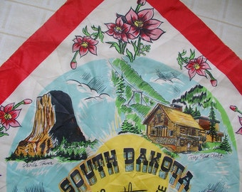 SOUTH DAKOTA souvenir SCARF Black Hills Mt Rushmore Sunshine State 1950s hand rolled rayon / silk  Made in Japan