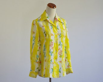 Vintage Bird Shirt, 70s Polyester Blouse, Yellow Bird & Floral Top, Secretary Blouse, Button Down, Long Sleeve Shirt, Bust 38 Large