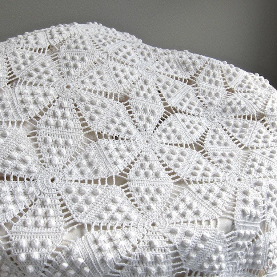 Vintage Crocheted Bedspread White Cotton Bedding Star