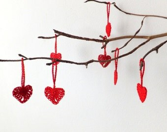 Valentines day hearts - Crochet hearts decorations - red hearts ornaments - small holiday ornaments - gift wrapping tags - set of 9
