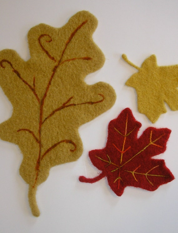 PATTERN-BOOKLET. A Knit & Felt Wool Acorn and Oak Leaf Pattern from wooll...