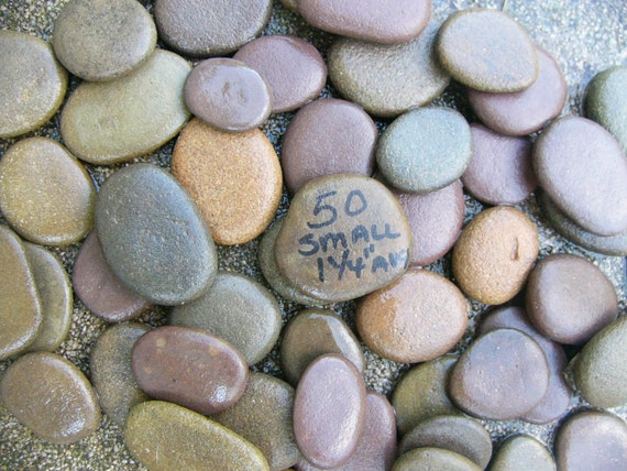 Small river rocks rounded flat on both sides for writing for Small river pebbles