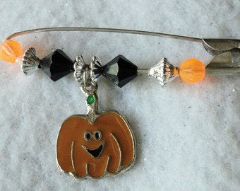 Halloween Pin, Pumpkin Pin, Fall Accessories, Lapel Pin, Jewelry, Accessories, Beaded Pin, Holiday Pin, Fall Pin