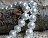50pcs Glass Pearl Bead 16mm White Round 2x16 Inches Strand