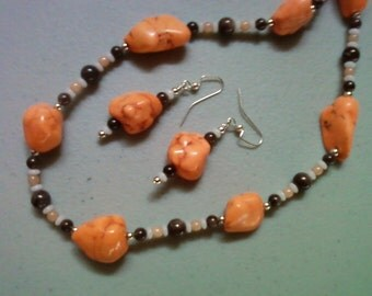 Peach, Brown and White Nugget Necklace and Earrings (0740)