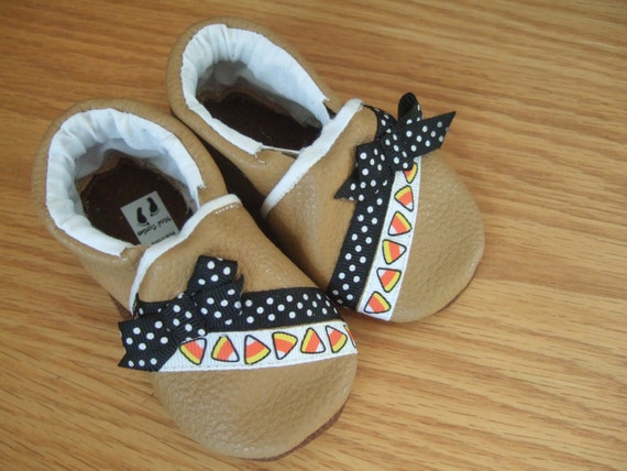 SALE fall baby girl shoes 3 6 month size by mudturtlesandmore