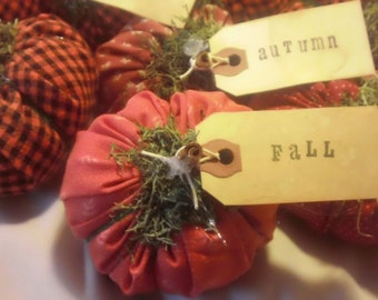 Mini Pumpkins are tagged with sayings, primitive decor