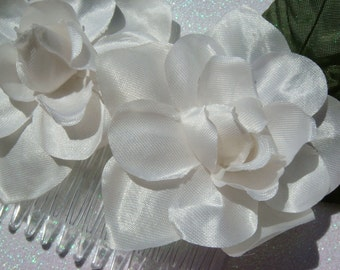 Off White double gardenia hair comb with or without green leaves / bridal flower hair comb / NATURAL ELEGANCE
