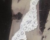 Narrow Alencon Lace Swatch Sample