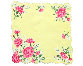 VINTAGE HANKIE, Deep Pink Carnations on Butter Yellow, Double Scalloped Edge, Shaped Hem, White Cording, Very Good Condition