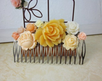 Yellow flowers antique filigree haircomb. Lovely gift for her. Wedding,Birthday, Christmas.