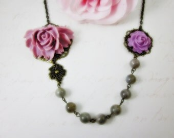 Lilac Roses with labradorite beads Necklace. Gift for her. Bridal Jewelry. Bridesmaids, Maid of Honor.