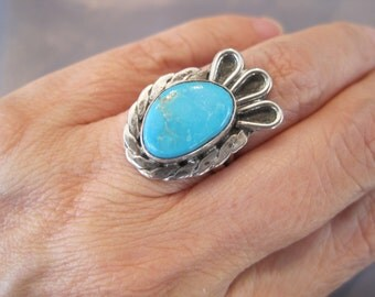 Vintage Sterling Turquoise Fan Navajo Ring