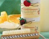 Natural Sugar Scrub. S. ELIZABETH. Tangerine and Orange with pedi brush. 2 items per package. Packaged with ribbon and bow