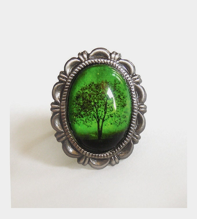 emerald bewitched ring by youmin on etsy